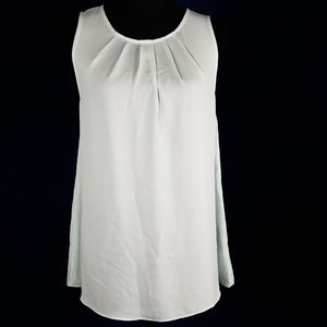 The Limited Sleeveless Pleated Blouse Size Medium